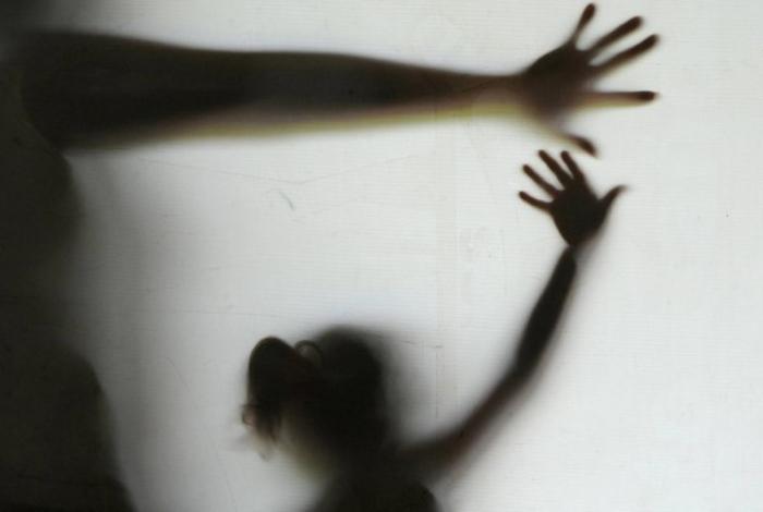 Homem é preso por estuprar e engravidar irmã de 13 anos