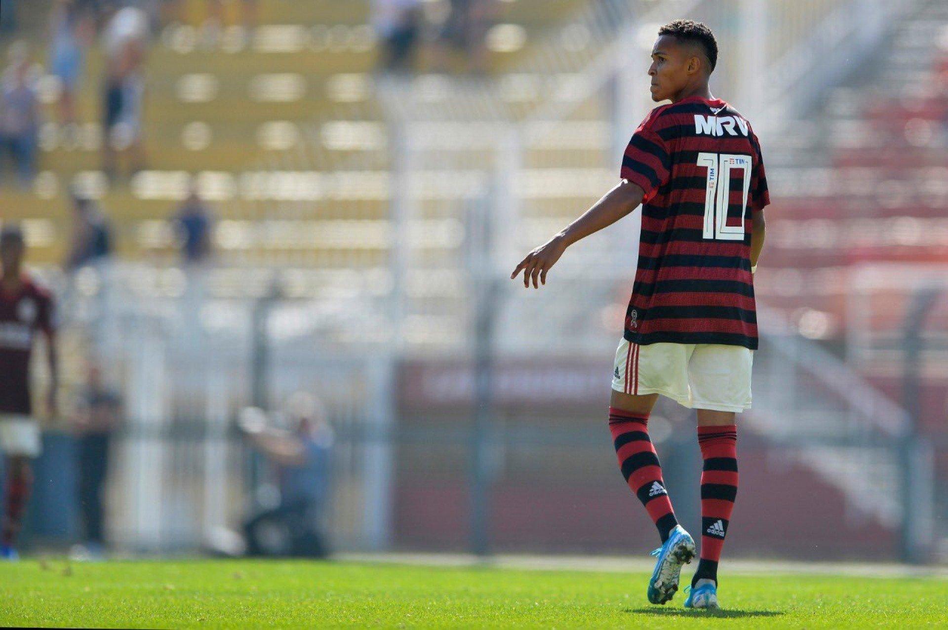 Lázaro è incastonato come la gemma più recente sulla base del Flamengo: il clone
