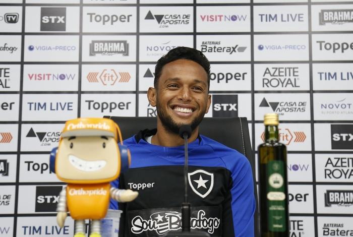 Gilson  vê o time do Botafogo bem preparado para encarar o Corinthians