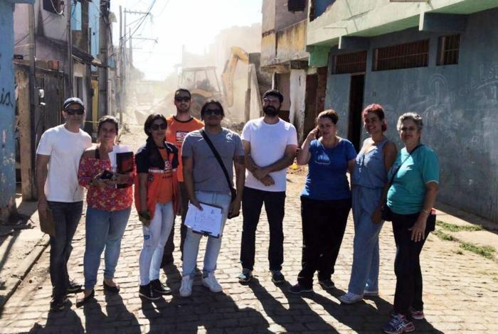 Demolição de casas no bairro da Ajuda, organizada pela secretaria de Habitação