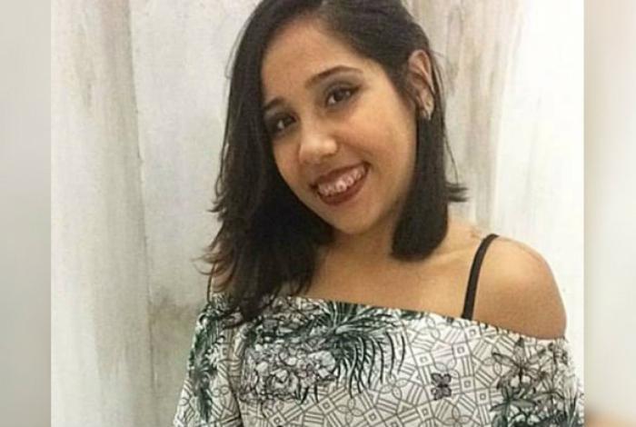 Vítima tentava fugir de assaltante e se jogou do veículo em movimento