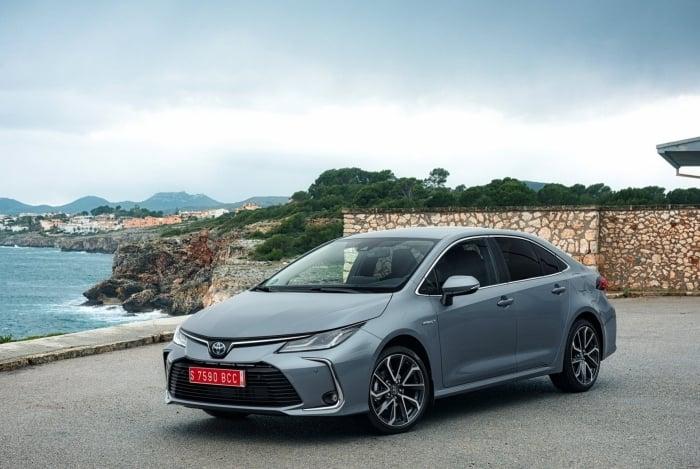 Versão híbrida do novo Corolla deve chegar com preços superiores ao valor cobrado pelo irmão Prius