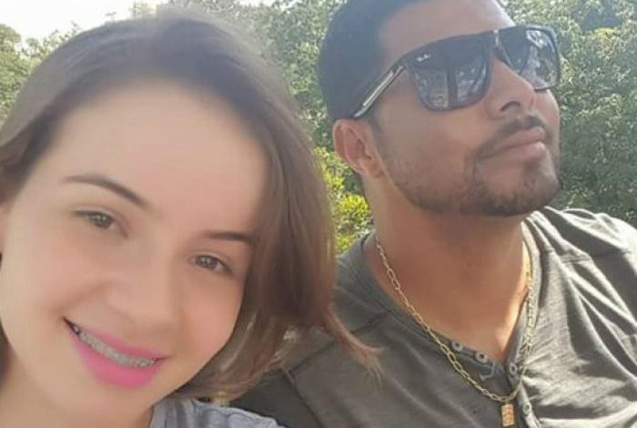 Noivos morrem em queda de paramotor em Goiás