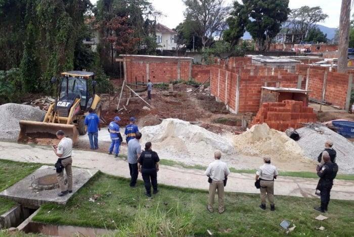 Parte das buscas ontem foi realizada na sede corretora dos PMs, que fica na Colônia Juliano Moreira