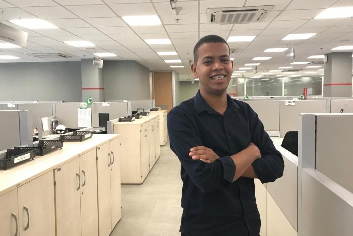 Elias Meneses, estagiário da área jurídica da White Martins, começou a trabalhar através do Programa de Estágio desde ano passado