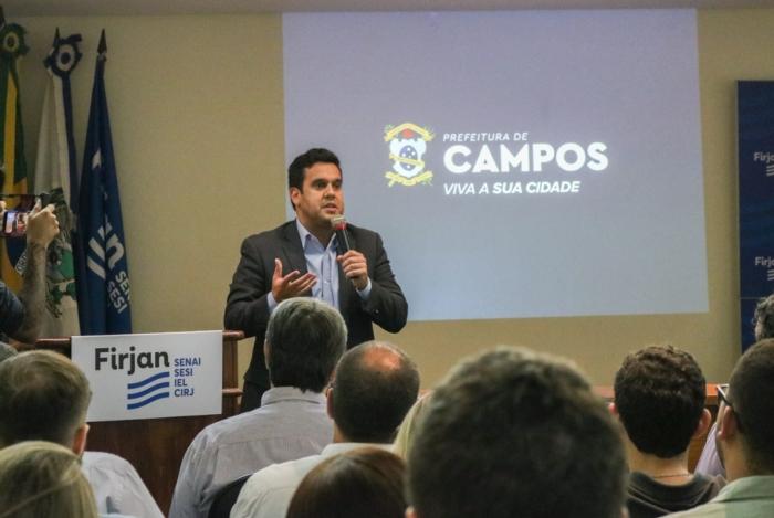 O prefeito de Campos, Rafael Diniz, lança novo site da Secretaria da Fazenda, na sede da Firjan na cidade