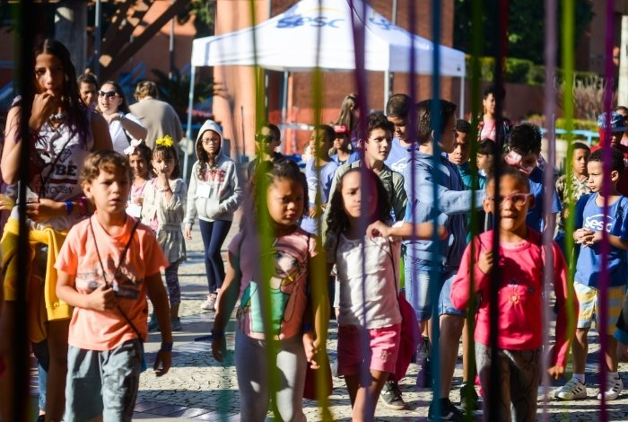 Projeto atende crianças de 6 a 12 anos, de famílias com renda de até três salários e dependentes de trabalhadores do comércio