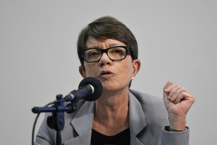 Déborah Duprat, Subprocuradora-Geral da República, durante audiência pública com lideranças indígenas na Comissão de Direitos Humanos e Minorias da Câmara dos Deputados (Wilson Dias/Agência Brasil)