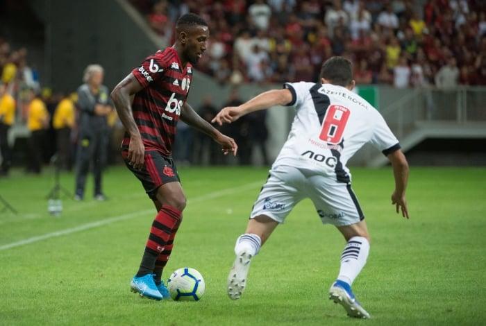 Flamengo goleou o Vasco por 4 a 1 em Brasília