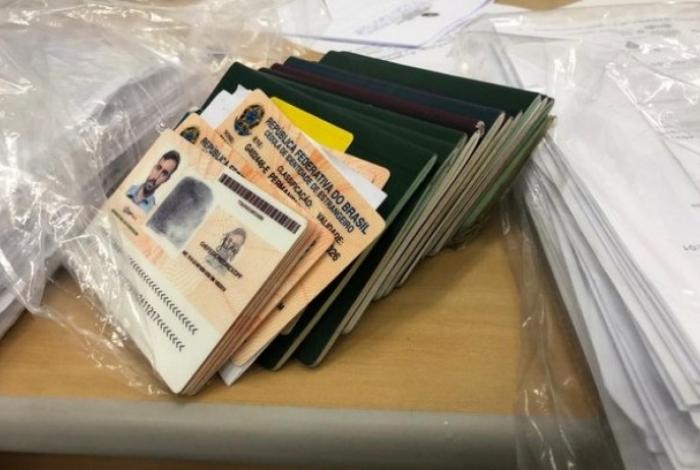 Documentos apreendidos pela Polícia Federal