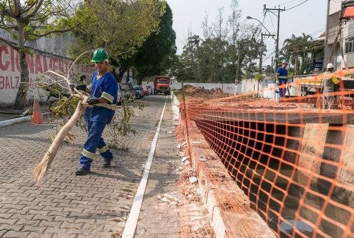 Início das osbras de reforma do canal da avenida dos Jesuítas, em Imbetiba. Macaé/RJ. Data: 19/08/2019. Foto: Rui Porto Filho
