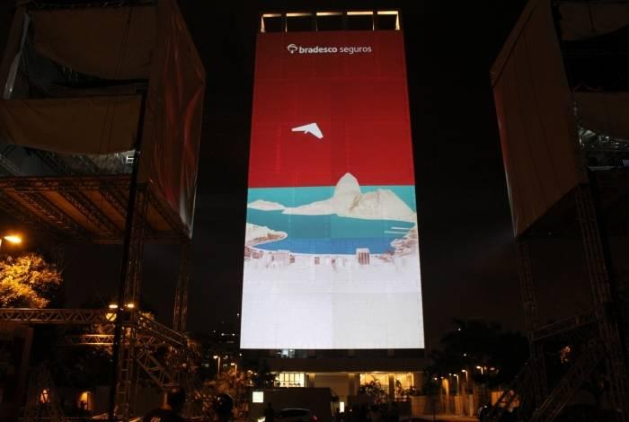 Ação projeta paisagens do Rio