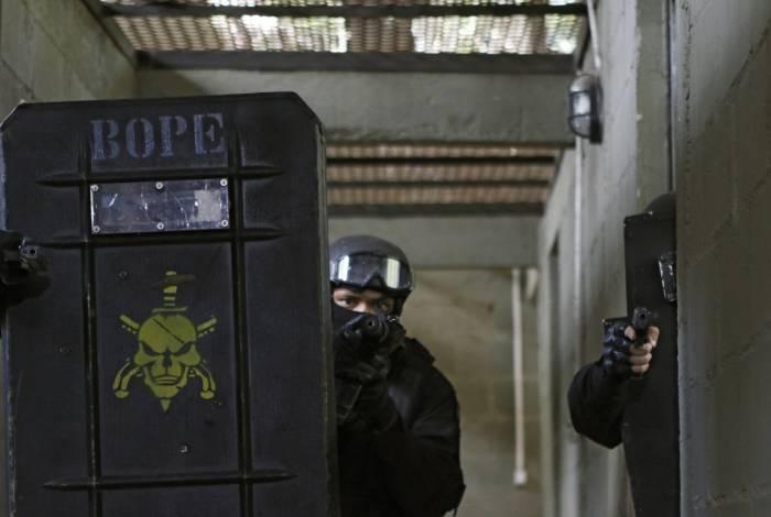 Rio de Janeiro - RJ  - 21/08/2019 - Geral - Treinamento BOPE -  Imprensa acompanha treinamento do Batalhao de Operaçoes Policiais Especiais, na sede do Batalhao, em Laranjeiras, zona sul do Rio - Foto Reginaldo Pimenta / Agencia O Dia