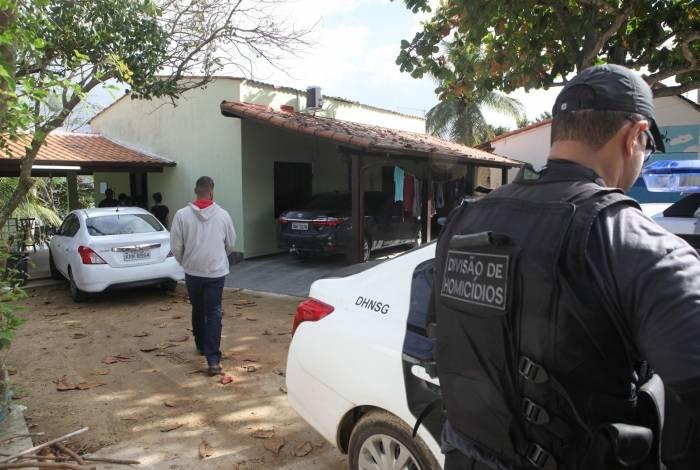 O vereador Ismael Breve de Marins e o filho dele, o advogado Thiago André Marins de Marins, foram mortos em casa