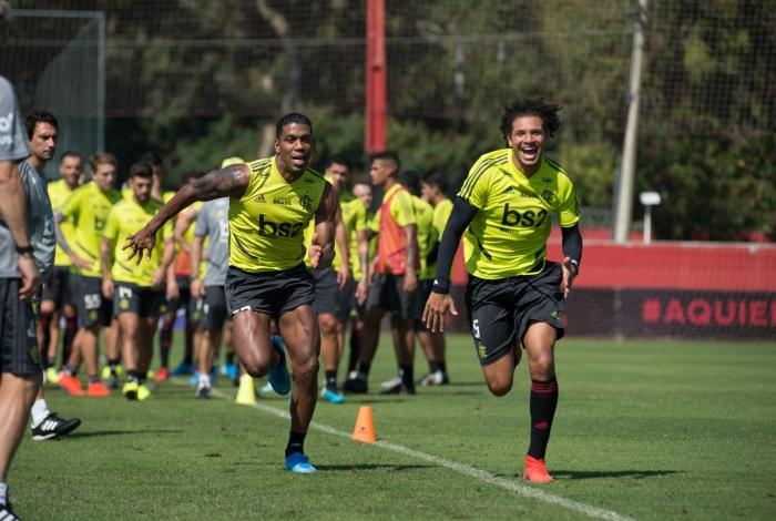 Berrío e Willian Arão em treino do Flamengo