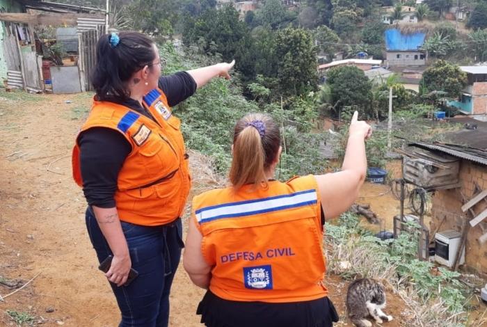 Servidores da Defesa Civil municipal vão dar treinamento e orientações a moradores do bairro da Grama
