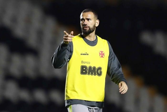 Leandro Castán defendeu a continuidade do trabalho com Luxemburgo na próxima temporada