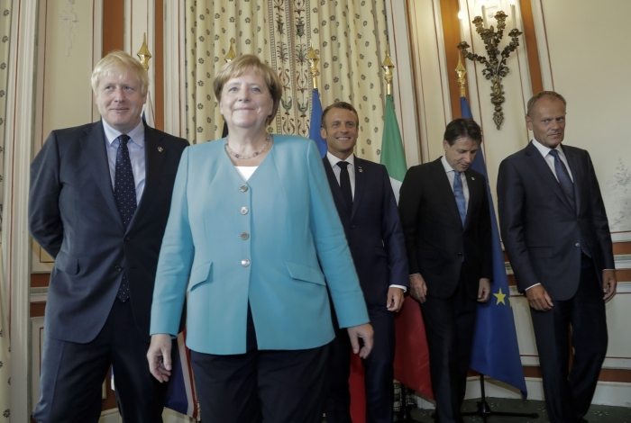 O primeiro-ministro britânico, Boris Johnson, a chanceler alemã Angela Merkel, o presidente Emmanuel Macron, o premier italiano, Giuseppe Conte e o presidente da União Europeia, Donald Tusk