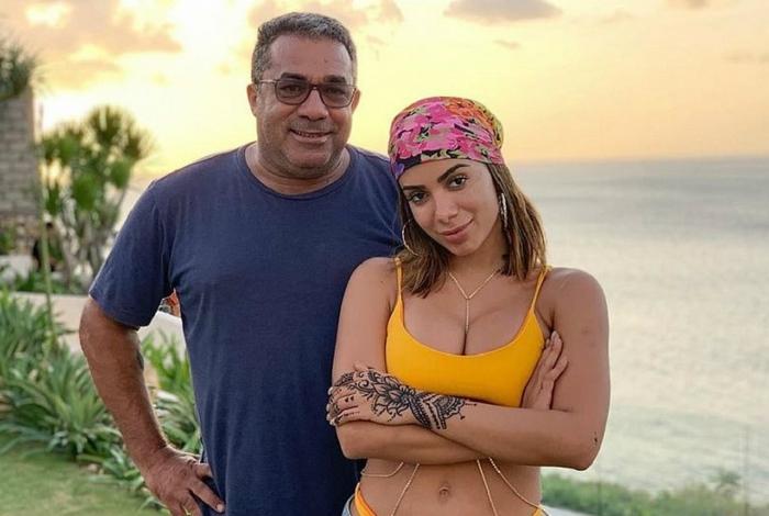 Anitta e seu pai