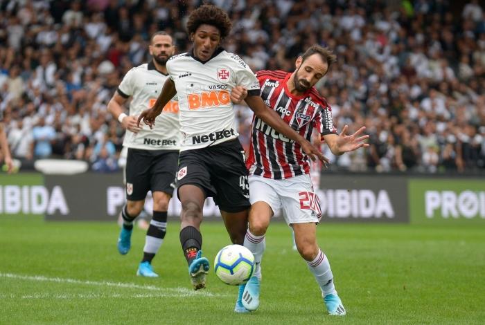 Aos 17 anos, Talles Magno tornou-se peça-chave no ataque do Vasco no Brasileiro