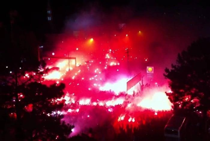 Ruas de Fogo da superior do Beira-Rio, na final da Recopa onde o Internacional venceu o Independiente por 3x1