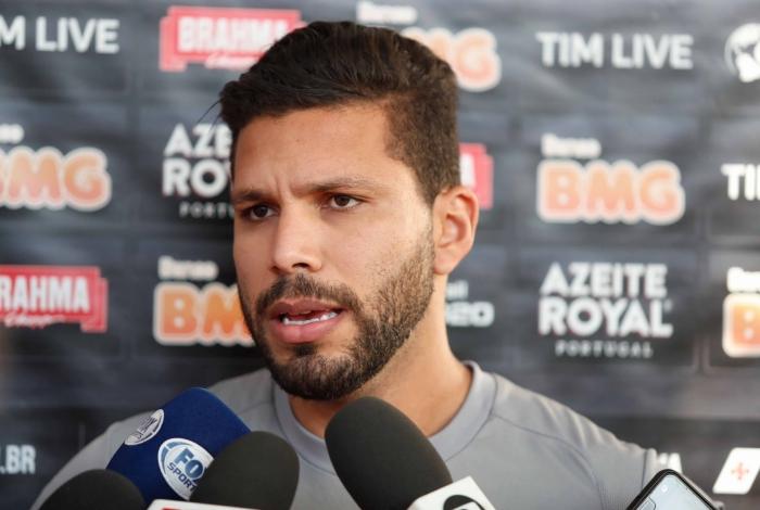 Com a suspensão de Castan, Henríquez deve ter Ricardo Graça com parceiro de zaga contra o Cruzeiro