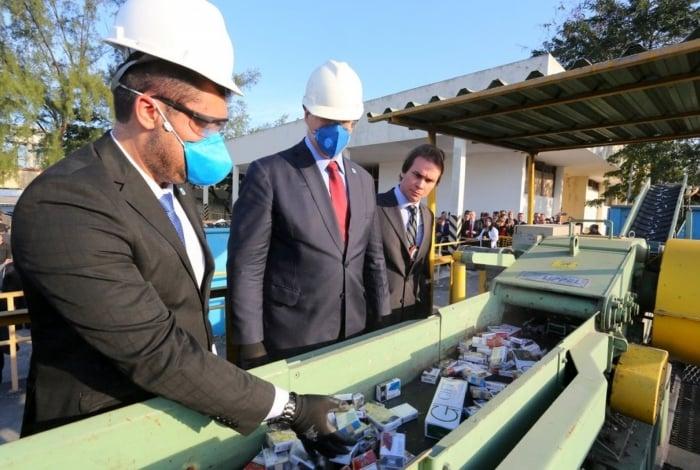Governador participou da cerimônia de destruição