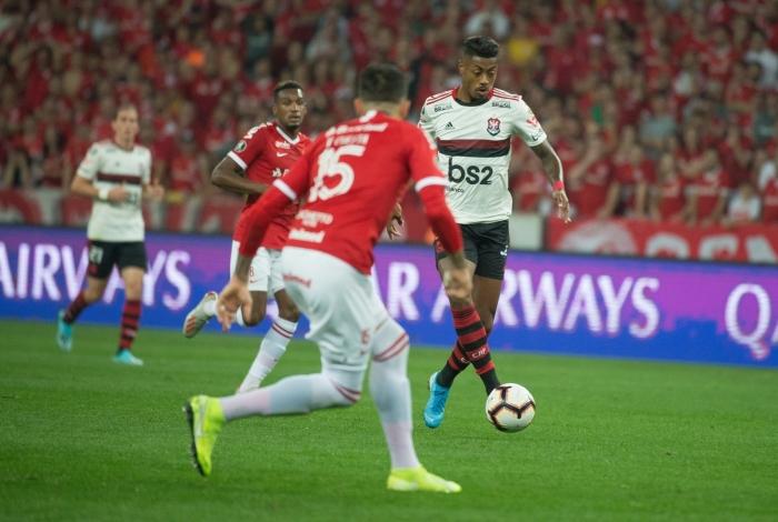 Autor da jogada do gol, Bruno Henrique foi constante preocupação para o Inter