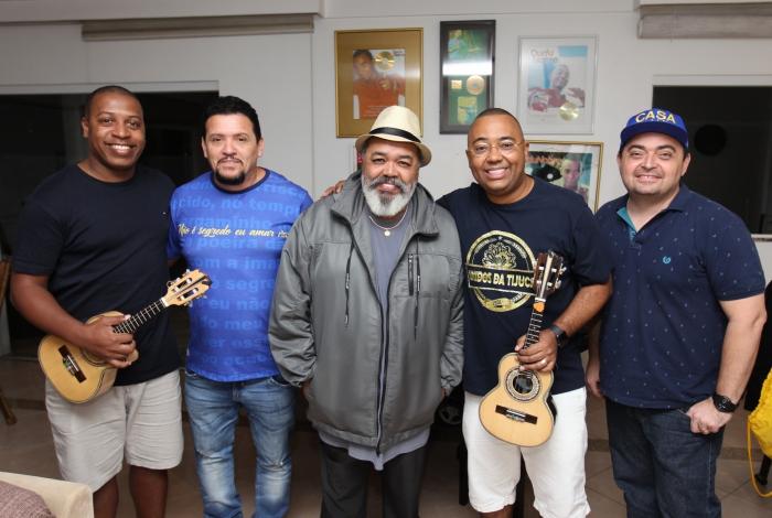 Jorge Aragão e Dudu Nobre, entre Fadico, Totonho e André Diniz, assinam samba da Unidos da Tijuca