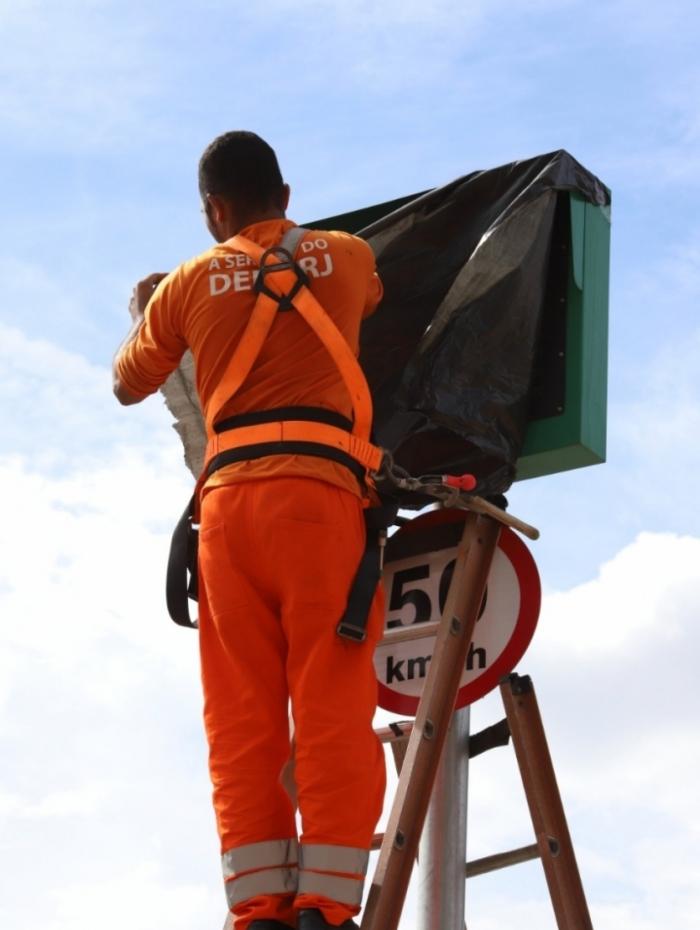 DER-RJ desliga 15 radares em áreas de risco