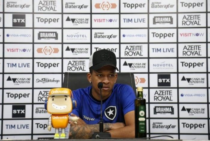 Gustavo Bochecha foi criado nas categorias de base do Botafogo