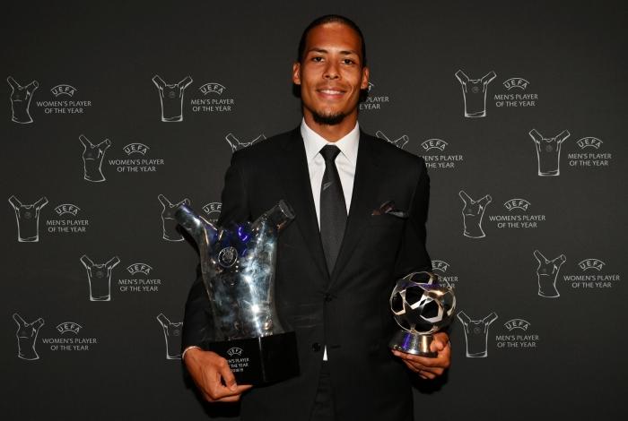 Van Dijk eleito melhor jogador da Uefa