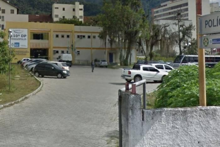 Delegacia de Teresópolis investiga o crime onde enteados são suspeitos de matar o padrasto após verem mãe ser agredida
