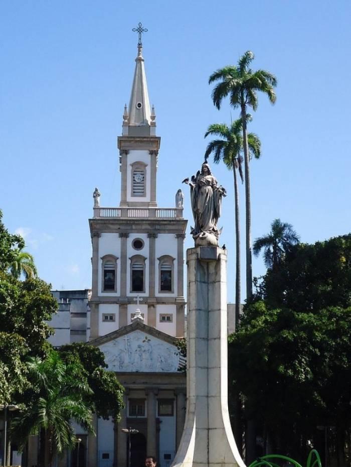 Igreja Maria Santíssima Nossa Senhora da Glória, no Largo do Machado