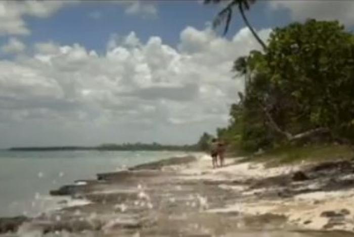 Produtora pornô faz vídeo para denunciar poluição em praia