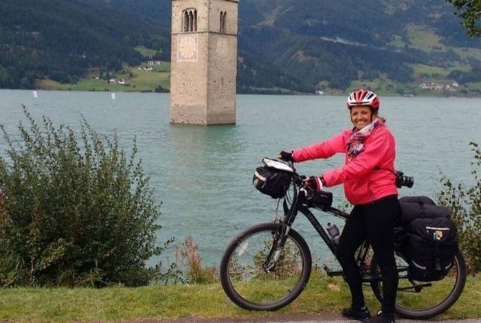 Vera Marques viaja pelo mundo pedalando de bicicleta