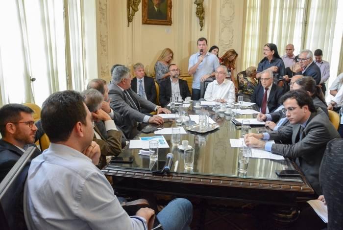 Vereadores debateram o projeto ontem com integrantes do governo