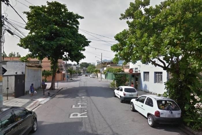 Rua Frei Antônio, em Cascadura