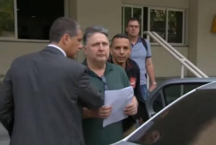 A expectativa da defesa é de que o ex-governador Anthony Garotinho deixe Benfica, e a ex-governadora Rosinha Matheus, Bangu, ainda nesta manhã