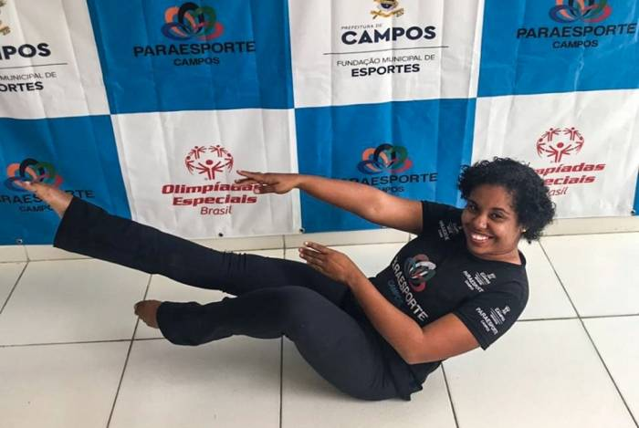 A psicopedagoga Andreia Marcolino, aluna do projeto Paraesporte, da prefeitura de Campos, foi selecionada para se apresentar no Festival de Dança do Mercosul, na Argentina
