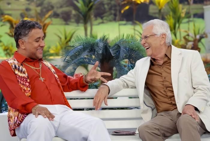Paulinho Gogó (Maurício Manfrini) e Carlos Alberto de Nóbrega em A Praça é Nossa