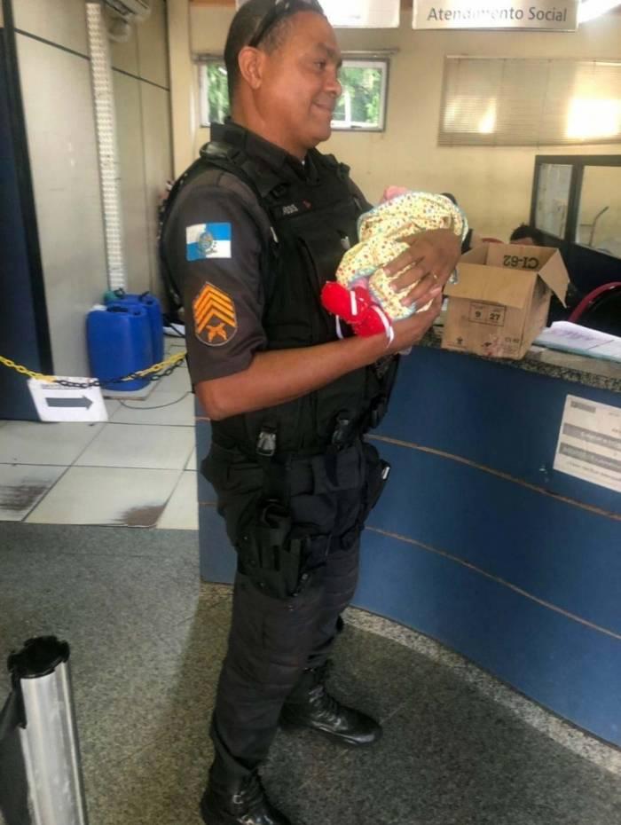 Criança foi levada para a delegacia da Taquara