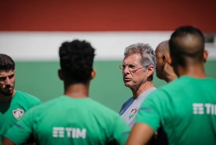 Oswaldo de Oliveira: técnico e jogadores do Flu buscam adaptação