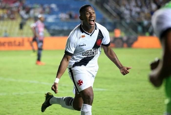 Ribamar tem 13 jogos e 1 gol com a camisa do Vasco