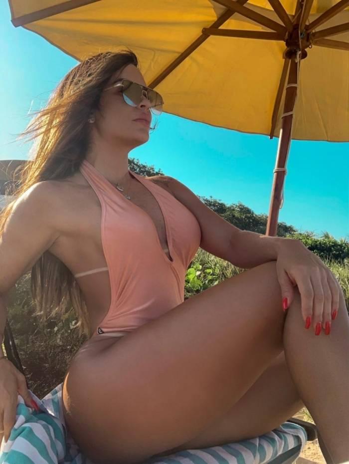 Denise Dias em Trancoso