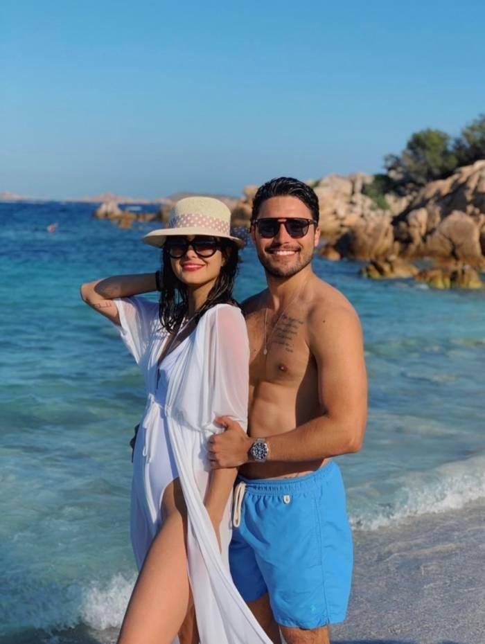 Letícia Almeida e Bruno Daltro em Sardenha, na Itália