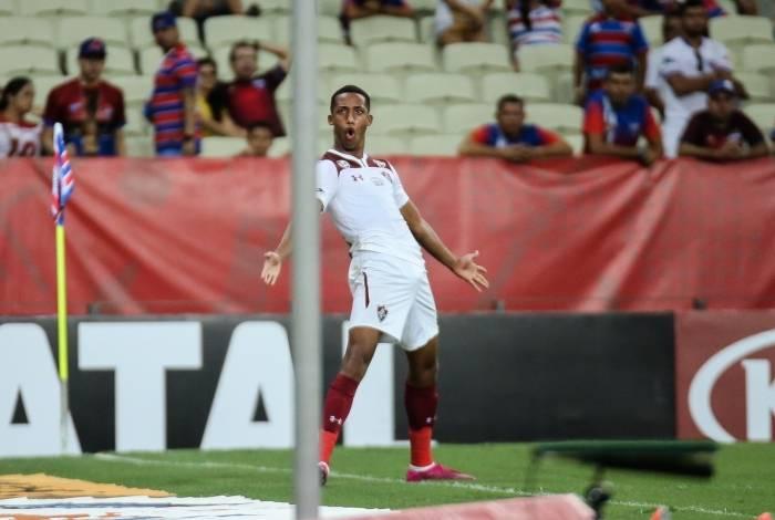 João Pedro imita comemoração de Cristiano Ronaldo na vitória sobre o Fortaleza, no Castelão