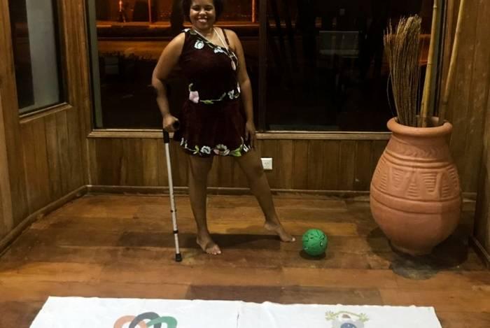 Andreia Marcolino, aluna de natação e dança do programa Paraesporte de Campos, conquistou o quarto lugar na dança contemporânea no Festival do Mercosul, ao lado de sua treinadora Manu Coboski