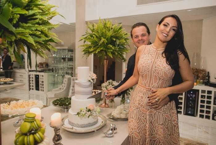 Gardênia Cavalcanti e Marcos Rezende comemoram dez anos de casados