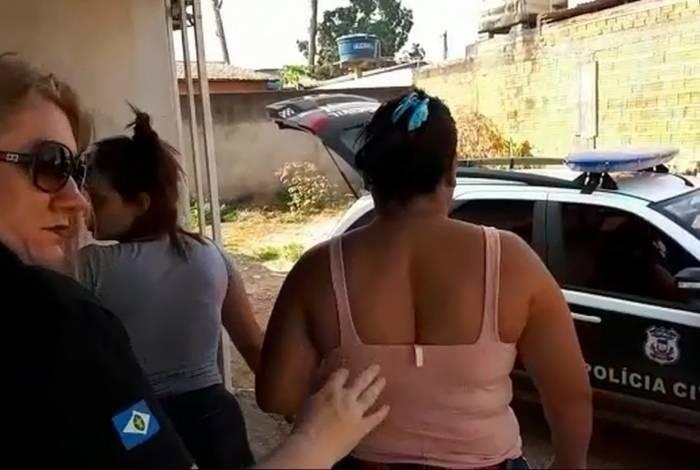 A madrasta Jaira Gonçalves de Arruda, presa ontem, planejou o crime para ficar com indenização da enteada, aponta a Polícia Civil
